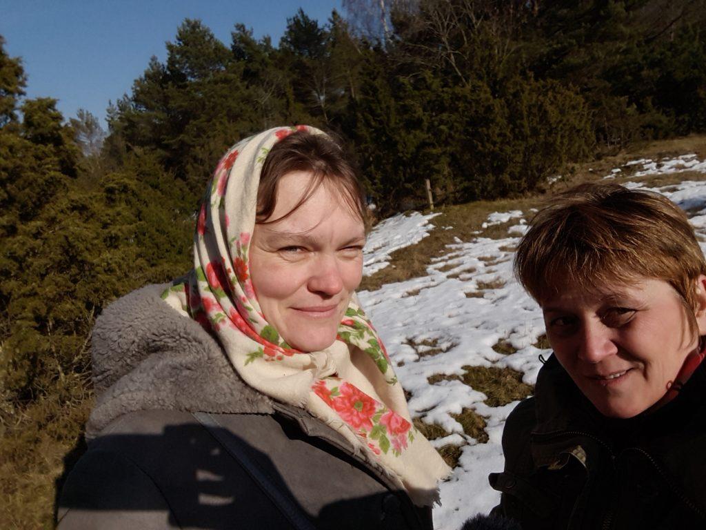 Tammeougu Mari ning Timmi Helle 2018 aasta kevadet vaatlemas